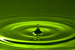 Grünes Spritzen Stockfoto