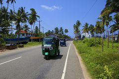 Grünes Tuk-tuk Sri Lanka stockfotografie