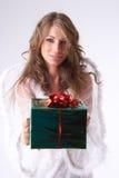 Grünes Weihnachtsgeschenk Stockbilder