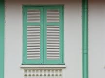 Grünes Weinlesefenster Stockfotografie