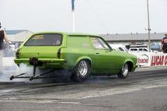 Grünes Widerstandauto in der Aktion Stockfotografie