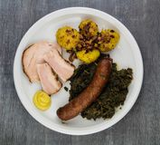 Grünkohl mit Schweinefleisch stockfoto