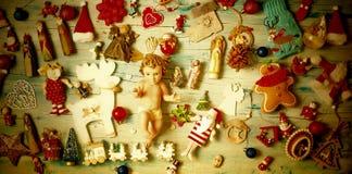 grępluje boże narodzenia target249_1_ modelarską plastelinę Dziecko Jezus i narodzenie jezusa ornamenty obrazy stock