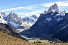 Gr Chalten, de magische stad in de herfst Gr Chalten wordt gevestigd in Argentijns Patagonië stock afbeeldingen