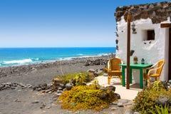 Gr Golfo in Lanzarote witte huizenvoorzijden Stock Afbeeldingen
