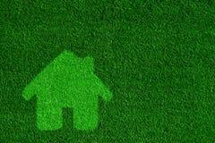 Göra grön det vänliga huset för ecoen, fastighetbegrepp Royaltyfri Fotografi