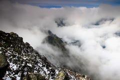 Grań Slavkovsky szczyt i Velka Studena dolina w chmurach Zdjęcie Royalty Free