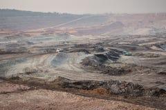 Graafwerktuig bij de bruinkool bovengrondse mijnbouw Stock Fotografie