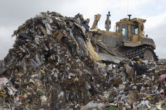 Graafwerktuig Moving Garbage Royalty-vrije Stock Foto's