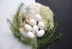 Graangewas en eieren stock afbeeldingen