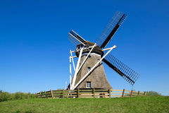 Graanmolen op Frisian-eiland Ameland Royalty-vrije Stock Foto