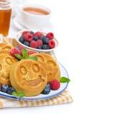Graanpannekoek met bessen voor ontbijt Stock Afbeelding
