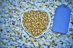graanpitten en popcorn stock afbeelding