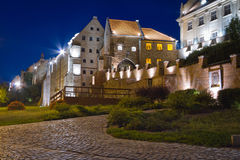 Graanschuuren van stad Grudziadz bij nacht Royalty-vrije Stock Foto's