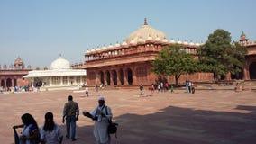 Grab von Grab Salim Chishtis (gelassen) in Jama Masjid-Hof, Fatehpur Sikri Lizenzfreie Stockfotos