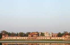 Grab von Itimad-ud-Daulah, Seitenansicht des Flusses Stockfotografie