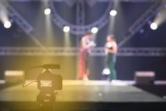 Grabación viva de DSLR de la red social video de la cámara en ses de la entrevista Fotos de archivo