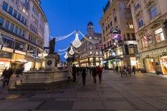 Graben街在维也纳在圣诞节季节期间的晚上 免版税图库摄影