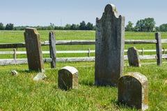 Grabstein im alten Kirchhof Stockfoto