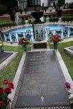 Graceland is het huis van Zanger Elvis Presley in stijl van een vooroorlogs herenhuis en een magneet voor muziekventilators Royalty-vrije Stock Foto's