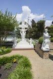 Graceland statuy w medytacja ogródzie obraz royalty free