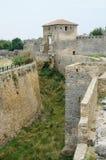 Gracht en Kiliya-poort van middeleeuwse Turkse vesting, de Oekraïne Stock Fotografie