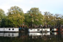 Канал Амстердам Нидерланды, Gracht Амстердам Nederland стоковое фото rf