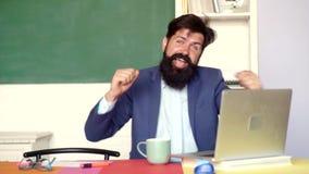 Gracias profesor Los profesores desaf?an e inspiran D?a de los profesores - conocimiento y concepto educativo de la escuela mundo almacen de metraje de vídeo