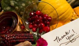 Gracias tarjeta de la cesta del regalo de la acción de gracias de la escritura Foto de archivo libre de regalías