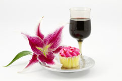 Gracious Break with Cupcake and Wine Royalty Free Stock Photography