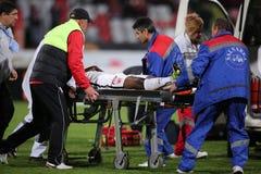 Gracz futbolu, Patrick Ekeng umiera po zawalenia się podczas Dinamo Bucharest gry zdjęcia stock