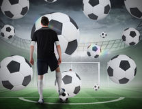 Gracz futbolu wokoło brać karę Fotografia Royalty Free