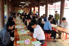 Gracz sztuki Chiński szachy w tradycyjnym festiwalu obraz stock