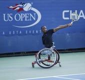 Gracz w tenisa Lucas Sithole od Południowa Afryka podczas us open wózka inwalidzkiego 2013 kwadrata przerzedże dopasowanie Obrazy Royalty Free