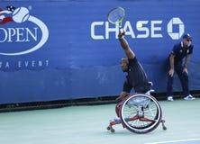 Gracz w tenisa Lucas Sithole od Południowa Afryka podczas us open wózka inwalidzkiego 2013 kwadrata przerzedże dopasowanie Zdjęcia Royalty Free