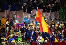Gracz w tenisa Rafael Nadal niesie Hiszpańską flaga prowadzi Hiszpańskiej Olimpijskiej drużyny w Rio 2016 ceremonii otwarcia Zdjęcie Royalty Free