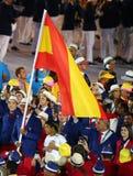 Gracz w tenisa Rafael Nadal niesie Hiszpańską flaga prowadzi Hiszpańskiej Olimpijskiej drużyny w Rio 2016 ceremonii otwarcia Obrazy Stock