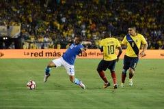 Gracze piłki nożnej walczy dla piłki podczas Copa Ameryka Centena Zdjęcie Royalty Free