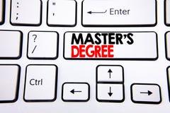 Grad för förlage s för visning för inspiration för överskrift för handhandstiltext Affärsidé för akademisk utbildning som är skri arkivfoto
