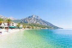 Gradac, Dalmatien, Kroatien - Überblick über dem schönen Strand von Gradac lizenzfreies stockbild