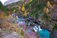 Gradas de Soaso στην κοιλάδα Πυρηναία Huesca SP Ordesa ποταμών Arazas Στοκ Εικόνες