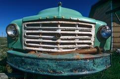 Grade antiga do caminhão fotografia de stock
