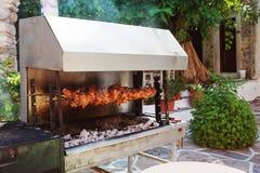Grade exterior com carne na ilha de Naxos, Grécia foto de stock royalty free