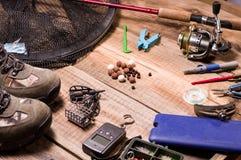 Grade para peixes Pesca da carpa Equipamento e isca Escalas e alimentadores para pescar fotografia de stock royalty free