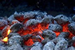 A grade quente do partido do assado da chama do fogo aquece o fundo vermelho e amarelo foto de stock royalty free