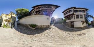 360 grader panorama av det Balabanov huset i Plovdiv, Bulgarien Arkivfoto
