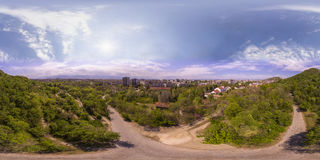 360 gradi di panorama aereo del tepe di Dzhendem anche conosciuto come Y Fotografia Stock Libera da Diritti