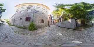 360 gradi di panorama di una via a Filippopoli, Bulgaria Immagini Stock Libere da Diritti