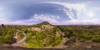 360 grados de panorama aéreo del tepe de Dzhendem también conocido como Y Fotografía de archivo libre de regalías
