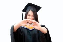 Graduação bonito asiática do retrato das mulheres isolada Fotografia de Stock
